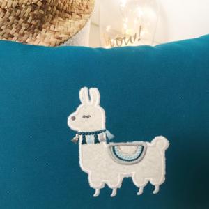 atelier couture lyon, cadeau enfant lyon, coussin lyon, décoration lyon, boutique deco lyon, baby shower lyon, magasin enfant lyon, cadeau personnalisé lyon, magasin pour bébé lyon, idée cadeau lyon, couturière lyon, idée cadeau originale lyon, magasin de décoration lyon, dragées lyon, magasin deco lyon, atelier lyon, boutique coco vanille, coussin lyon, broderie lyon, magasin bébé lyon